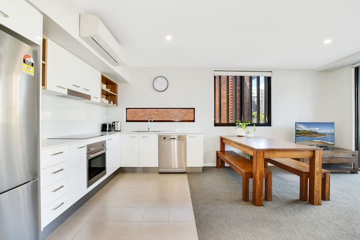 Modern Apartment in the heart of Mooloolaba