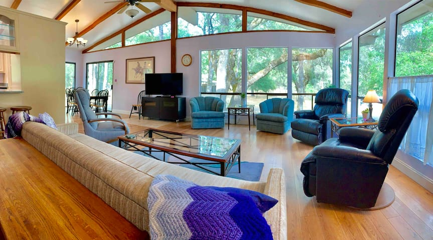 Rural Resort w/ Acres of Privacy #PurpleHorseRanch