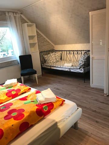 Einzelbett 2,00 • 0,90 Meter
