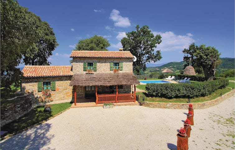 Holiday cottage with 3 bedrooms on 97 m² in Frki