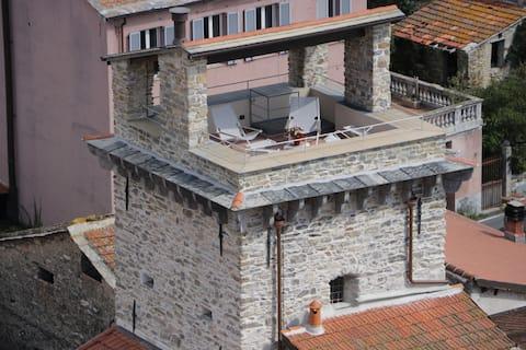 Casa Franco in the Saracena Tower of Dolcedo