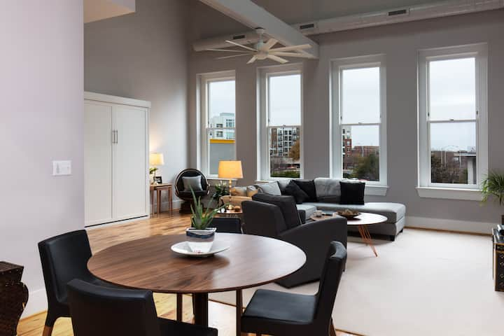 Dreamy Downtown Private Apt; 2BEDS/2Bath  1200sf