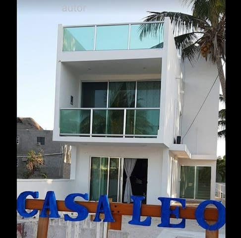 CASA LEO  (Private house 1-6 persons) Wi-fi  A/C