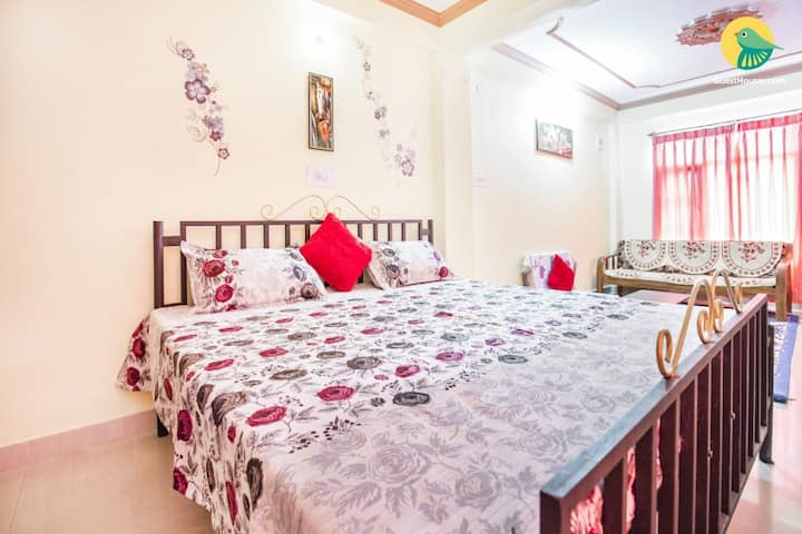 Green Valley Home Stay Deluxe Room 1