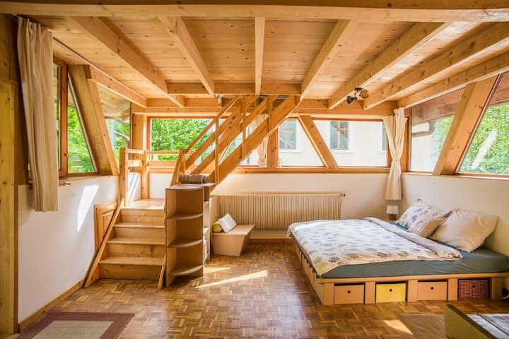 Chambres d'hôtes - Eco-chalet Bel Oiseau, (St-Ursanne), Le Cocon, 1-5 pers., 1 room