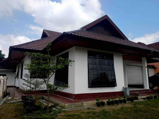 NANA HOUSE, your vacation home in bukit tinggi