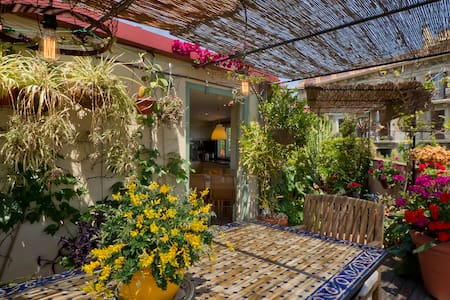 ROOM WITH LOFT AND AMAZING TERRACE NEAR THE SEE - Barcelona - Bed & Breakfast