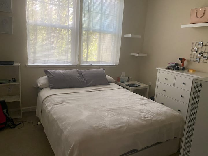Private bed & bath with laundry in unit