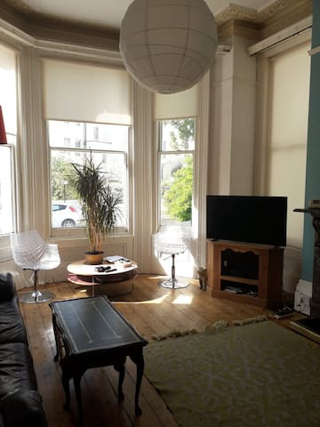 Double bedroom in beautiful city centre flat