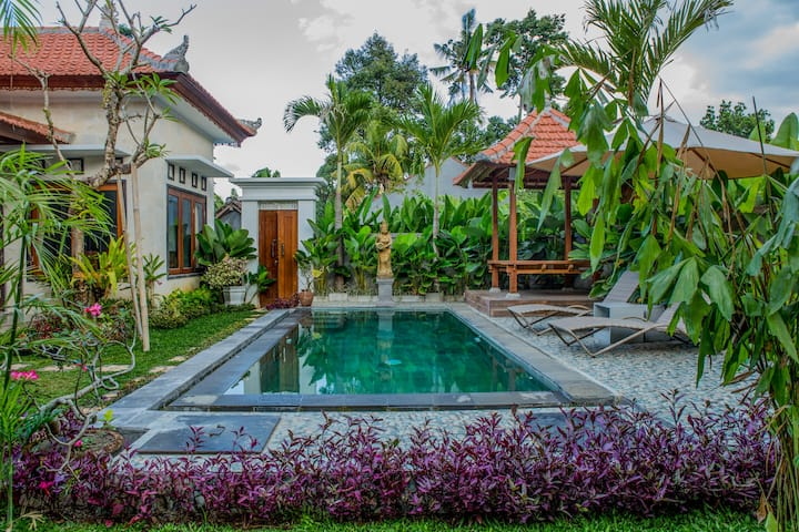 UmahSan Villas Superior Room with Pool View