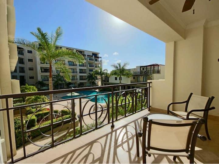 Palm Beach | Deco 1BR + Balcony | The Stop Club
