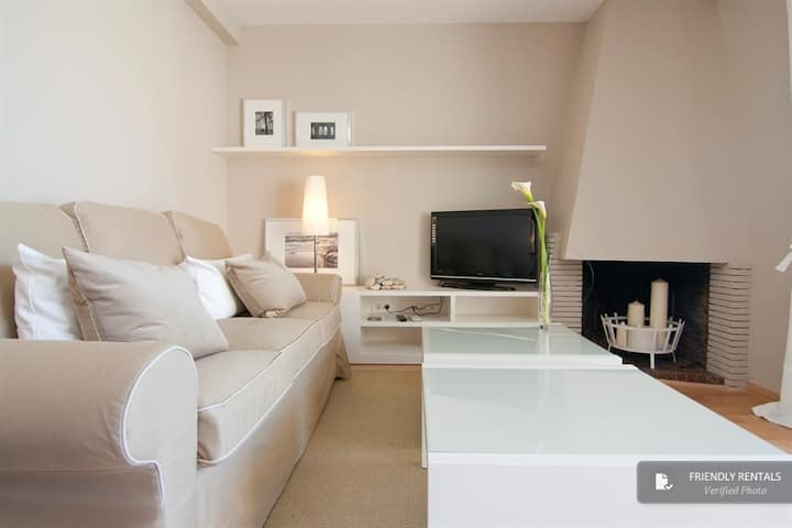 Beautiful apartment in centre Sitges, beach 100 m
