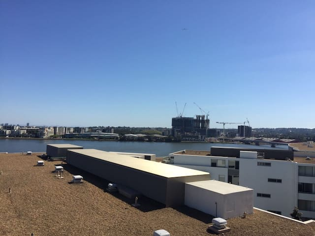 Sea view big apartment&near station - Rhodes - Flat
