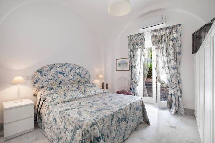 Frat's House Capri