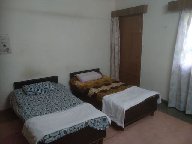 Single Bed in FEMALE Dormitory  Shared Bathroom2