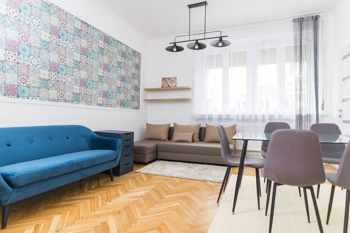 Art Mosaic Homey Apartment