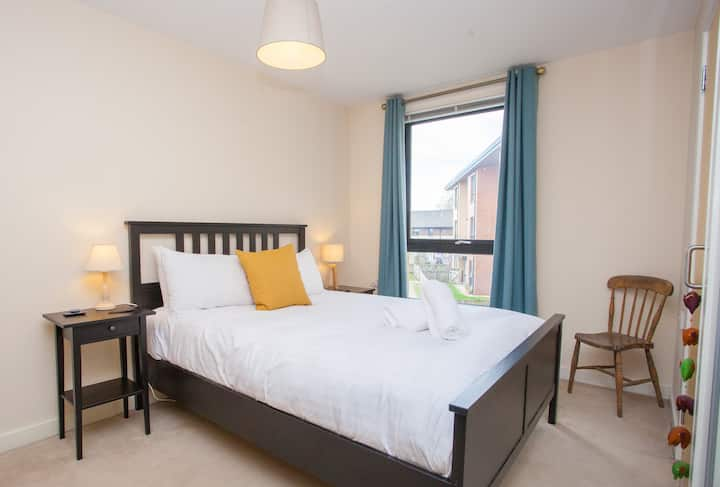 Modern and Comfortable Flat with Free Parking