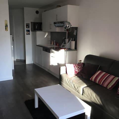 Centre du village T2 40m² Terrasse - Fréjus - Apartamento
