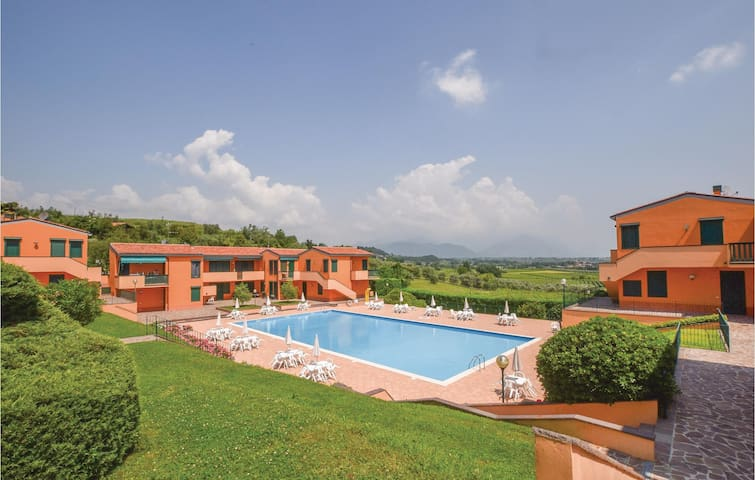 Holiday apartment with 2 bedrooms on 65m² in Polpenazze del Garda