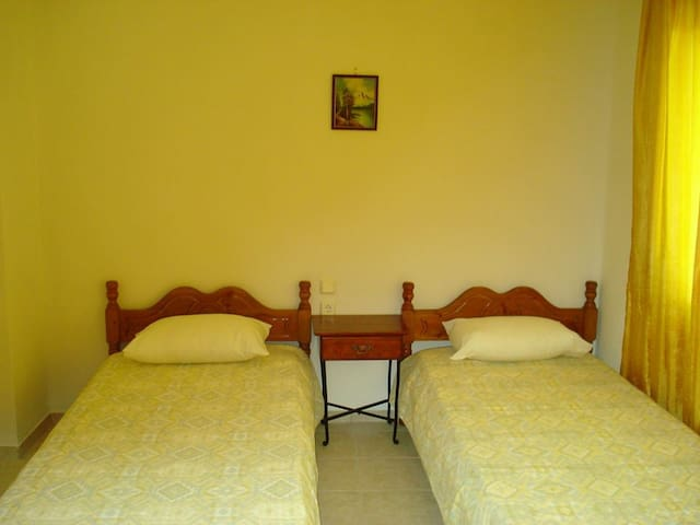 Double room near Neo Klima beach - Neo Klima - Appartement