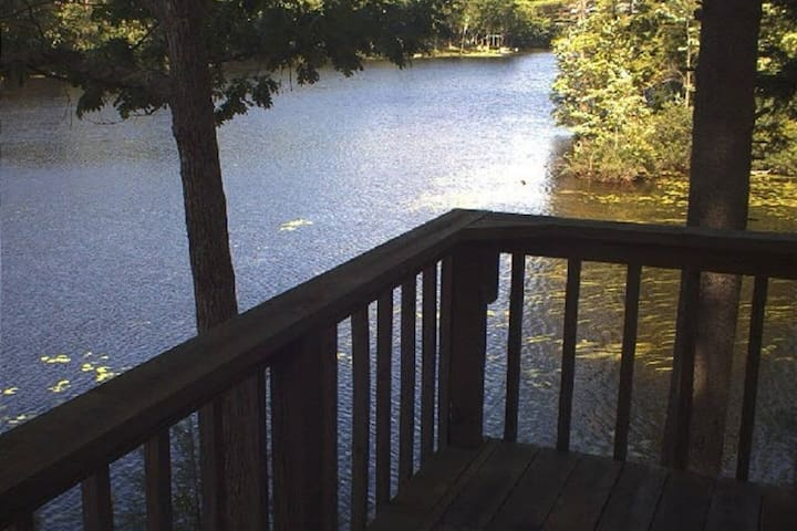 B&B Waterfront Penthouse in the Pines with Canoe - Augusta - Pousada