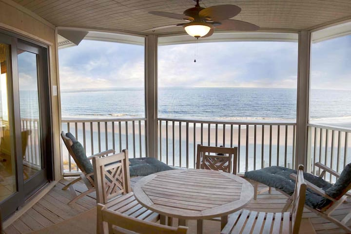Oceanfront Beach Condo-Wild Dunes/IOP-1BD/1BA-2 Balconies-Extremely Private & Cozy-Writers Paradise! - Isle of Palms