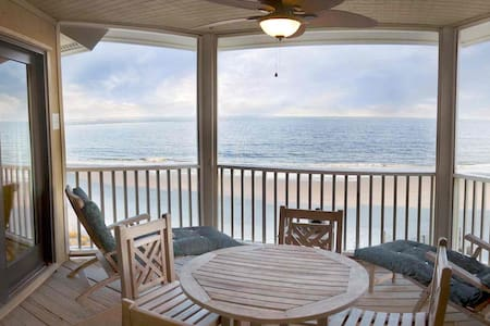 Oceanfront Beach Condo-Wild Dunes/IOP-1BD/1BA-2 Balconies-Extremely Private & Cozy-Writers Paradise! - 棕榈岛(Isle of Palms) - 公寓