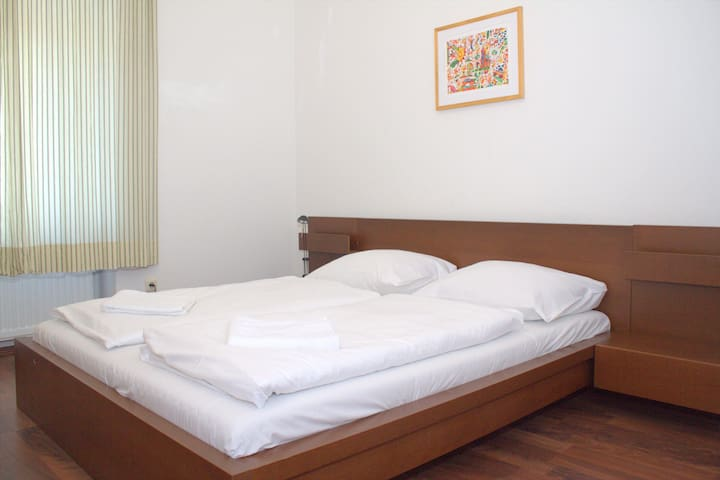 Classy 2 room Flat by Main Promenade/Train Station