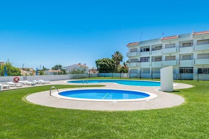 Carol Pink Apartment, Albufeira, Algarve