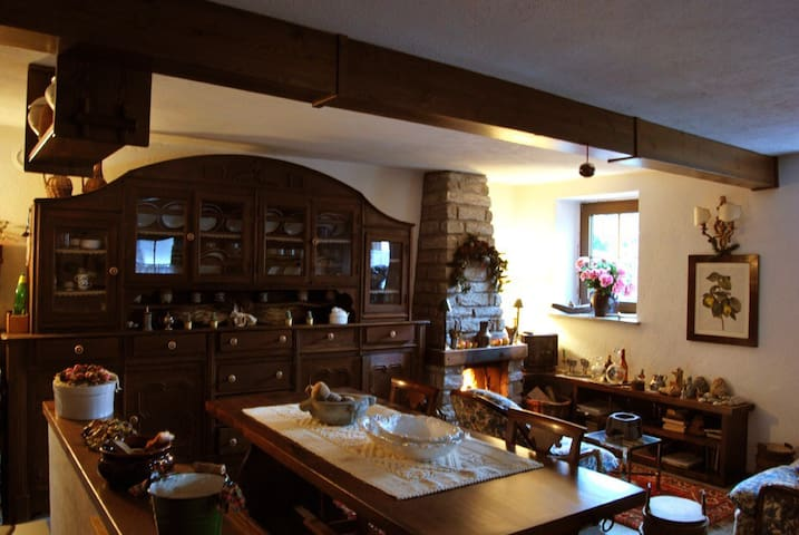 Elegante casetta vicino Courmayeur - Derby - House