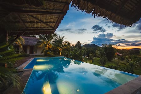 Alamanda Minang Villa -Amazing view - Vila