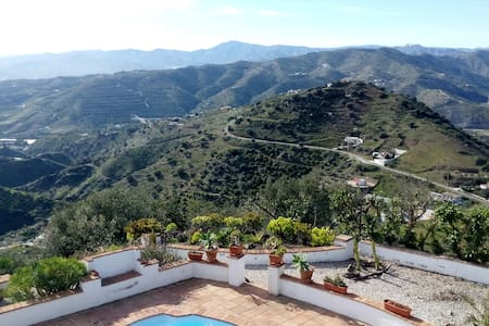 Villa with Super Views - 15 min to the beach! - Vélez-Málaga - วิลล่า