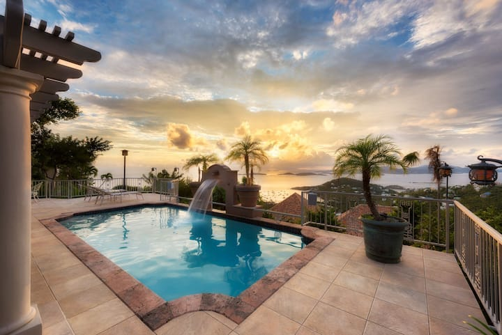 Luxury Villa with Pool, Privacy, Sunsets