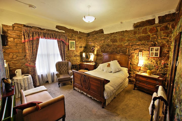 The Old Lockup - Luxury Guest House