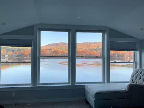 Lakefront Cottage Home on Mascoma Lake