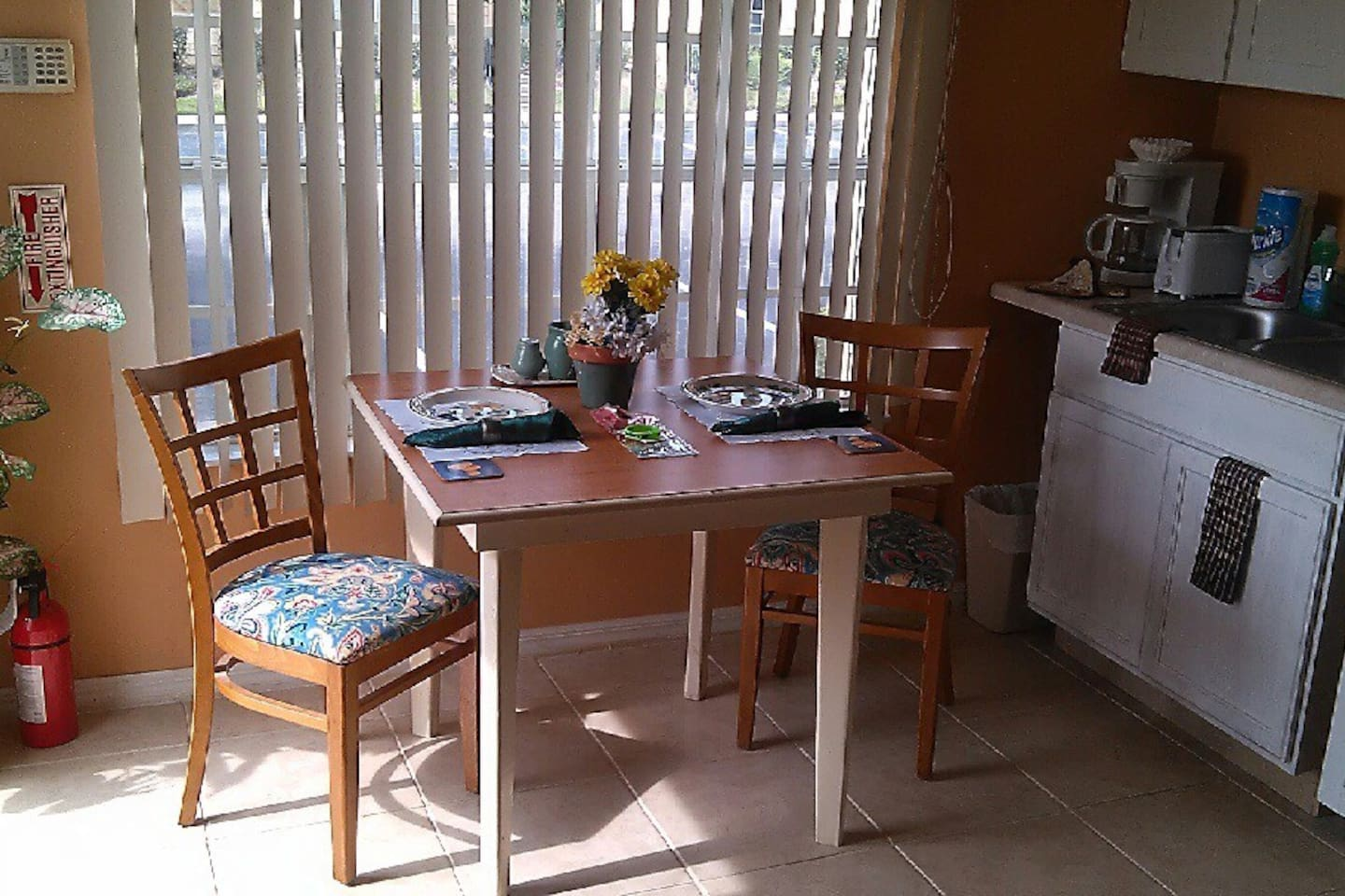 Newly Updated Kitchenette and Dining area with ceramic floor