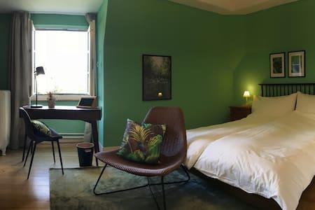 Das grüne Zimmer der Villa Jakobsbrunnen