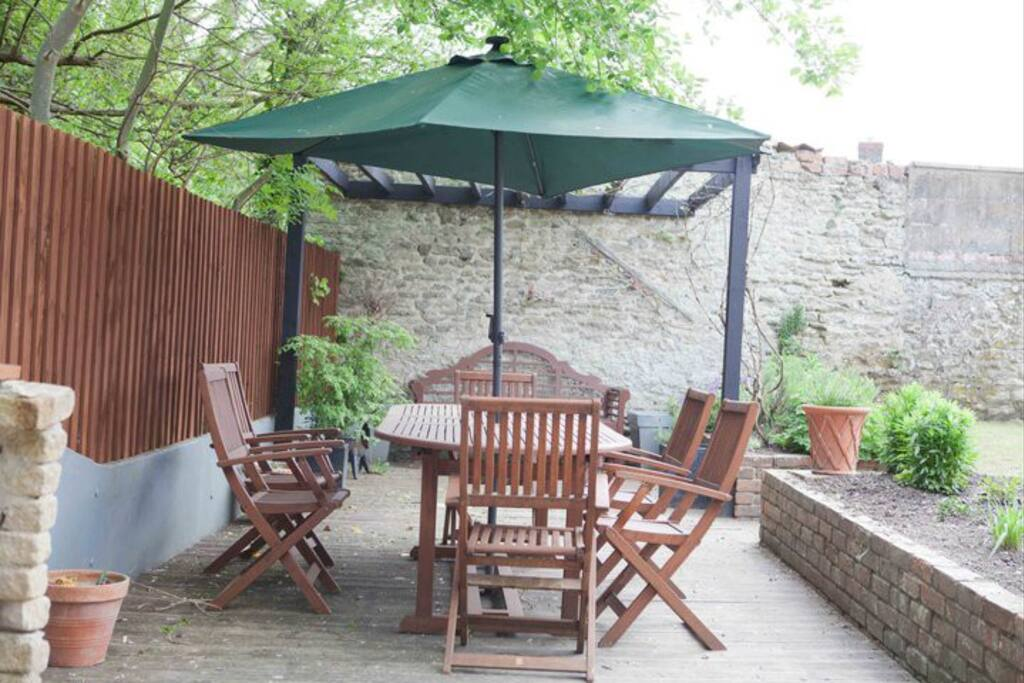 great for BBQ's and alfresco dining