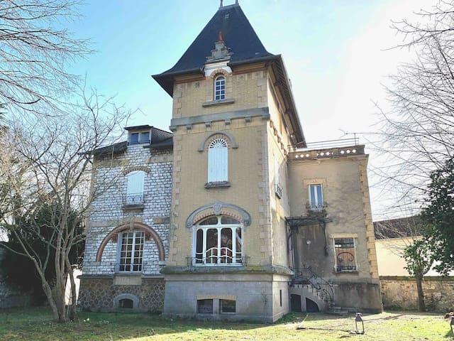 Chambre privée François 1er, Villa Fougeraie