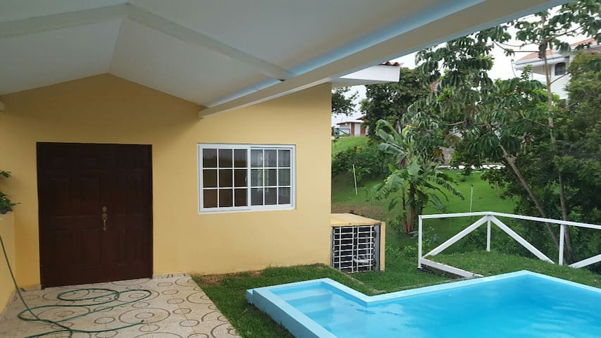 Cozy place in El Valle Village, San Carlos, Panama - El Espino - House
