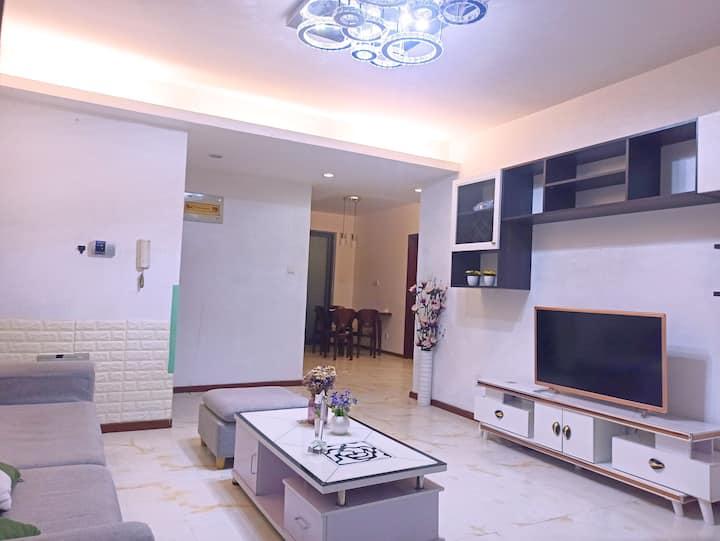 [风雅颂2一房]独享一房两厅双空调,独门独卫不合住,大房间1.8m床,小房间空置