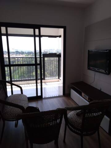 Apartamento C/ CHURRASQUEIRA  condomínio RESORT.