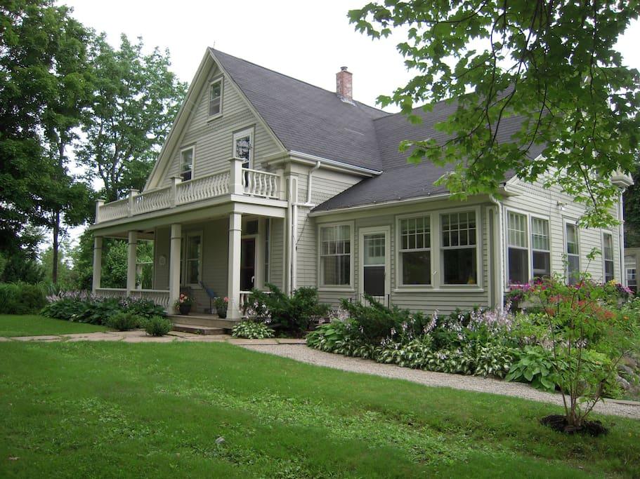 Home built in 1910 for Shipbuilder Robin Hennigar