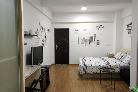 Miss•L mini house汉正街、六渡桥、江滩、龙王庙、南岸嘴、市一医院、江汉路、汉口火车站