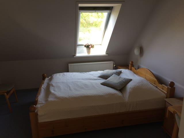 Room in farm house near the sea (6) - Knebel - Bed & Breakfast
