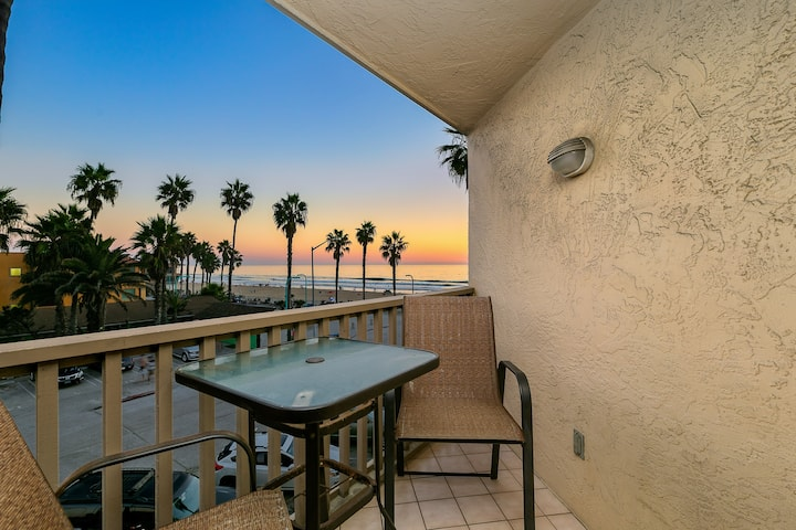 All-Suite Pierside Retreat w/ Ocean-View Balconies