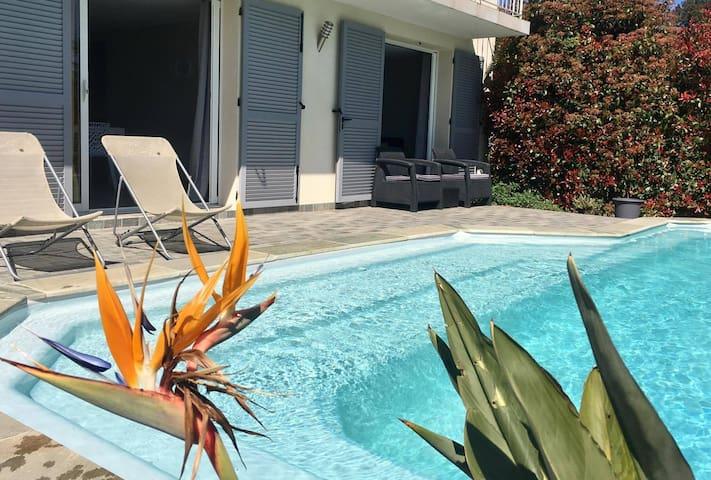 Bel appartement moderne et sa piscine privée