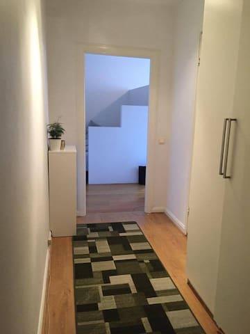 Mysig central 1.5a i populära Midsommarkransen - Stockholm - Apartemen
