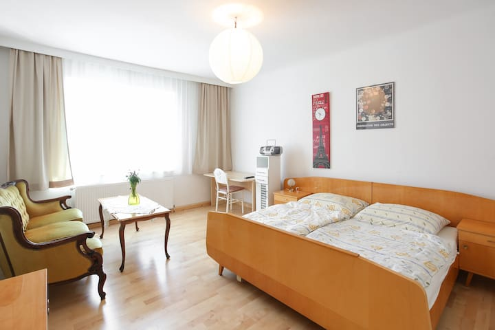 Very Nice Apartment 3 Rooms + Kitchen! - Wiedeń - Dom