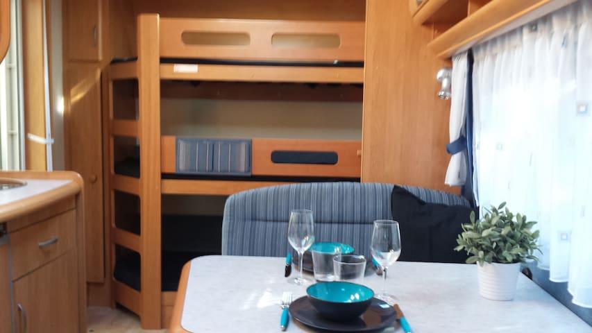 Lækker Campingvogn med fortelt - Løgstør - Autocaravana